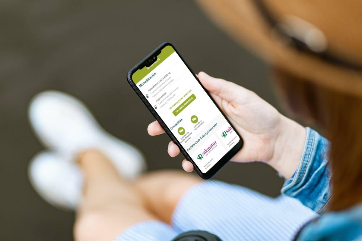La plataforma de telemedicina Quiero cuidarme Más, de DKV, ofrece ahora Mi Farmacia, un nuevo servicio gratuito que permite solicitar recetas electrónicas, revisar los medicamentos y entablar un chat en directo con farmacéuticos para resolver dudas.