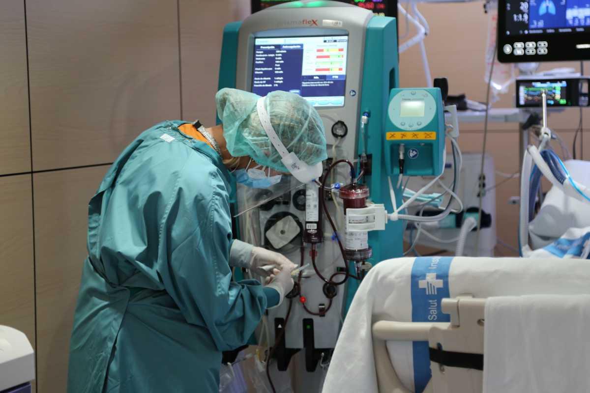 El sistema de filtrado de sangre que prueba el Valle de Hebron puede dar resultados positivos en covid-19 y sepsis. Foto; H. Vall d'Hebron