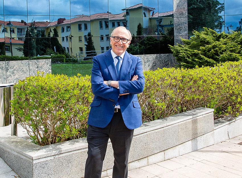 Doctor Luis Fernández Vega