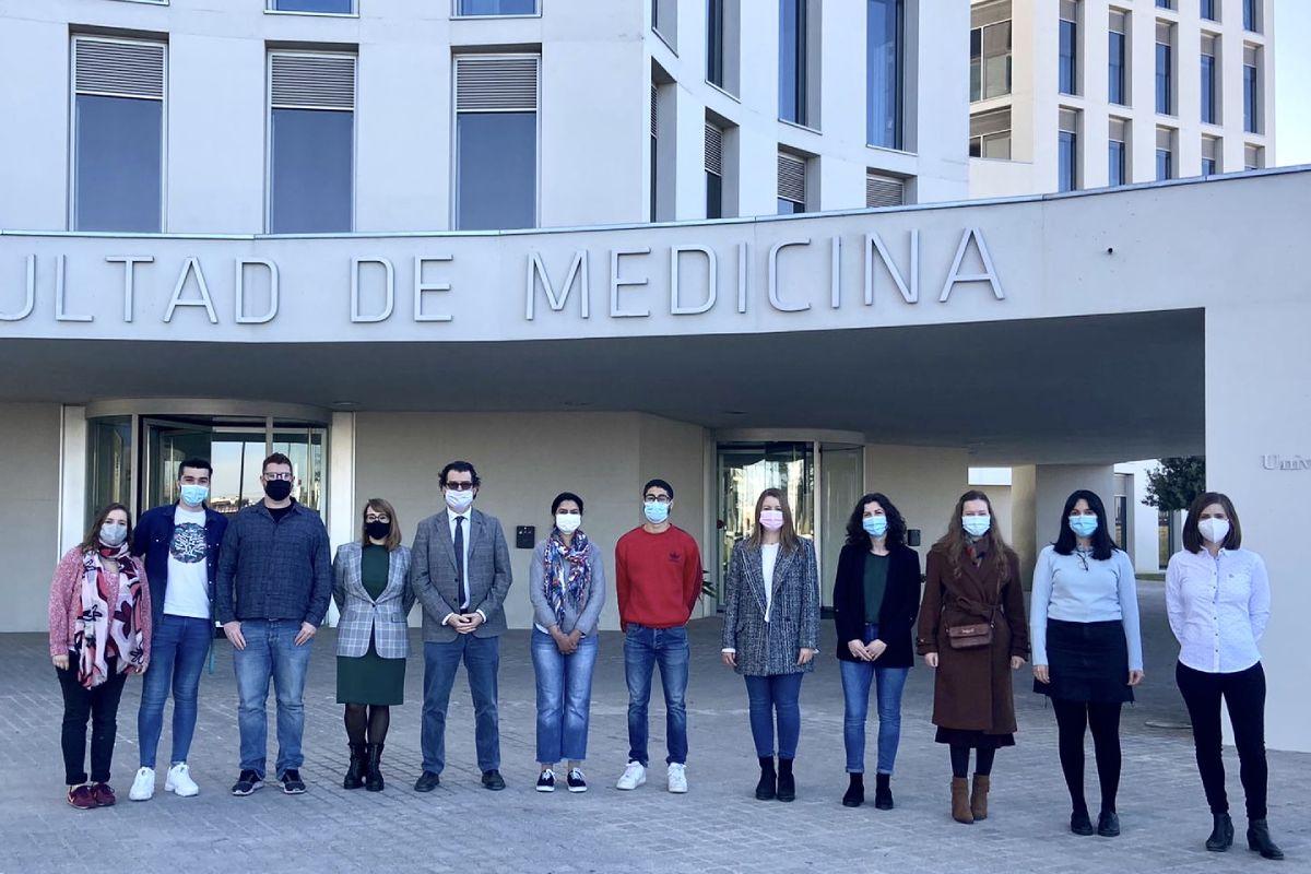 Equipo de investigación de la Universidad de Granada que ha llevado a cabo el descubrimiento. FOTO: UGR.
