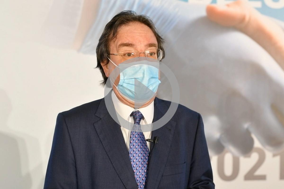 Amós García Rojas, jefe de Sección de Epidemiología y Prevención del Servicio de Epidemiología y Prevención de la Dirección General de Salud Pública de Canarias y presidente de la Asociación Española de Vacunología, premiado en la categoría de Medicina.