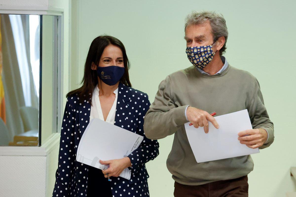 Silvia Calzón y Fernando Simón han analizado este jueves los datos de la pandemia en rueda de prensa.
