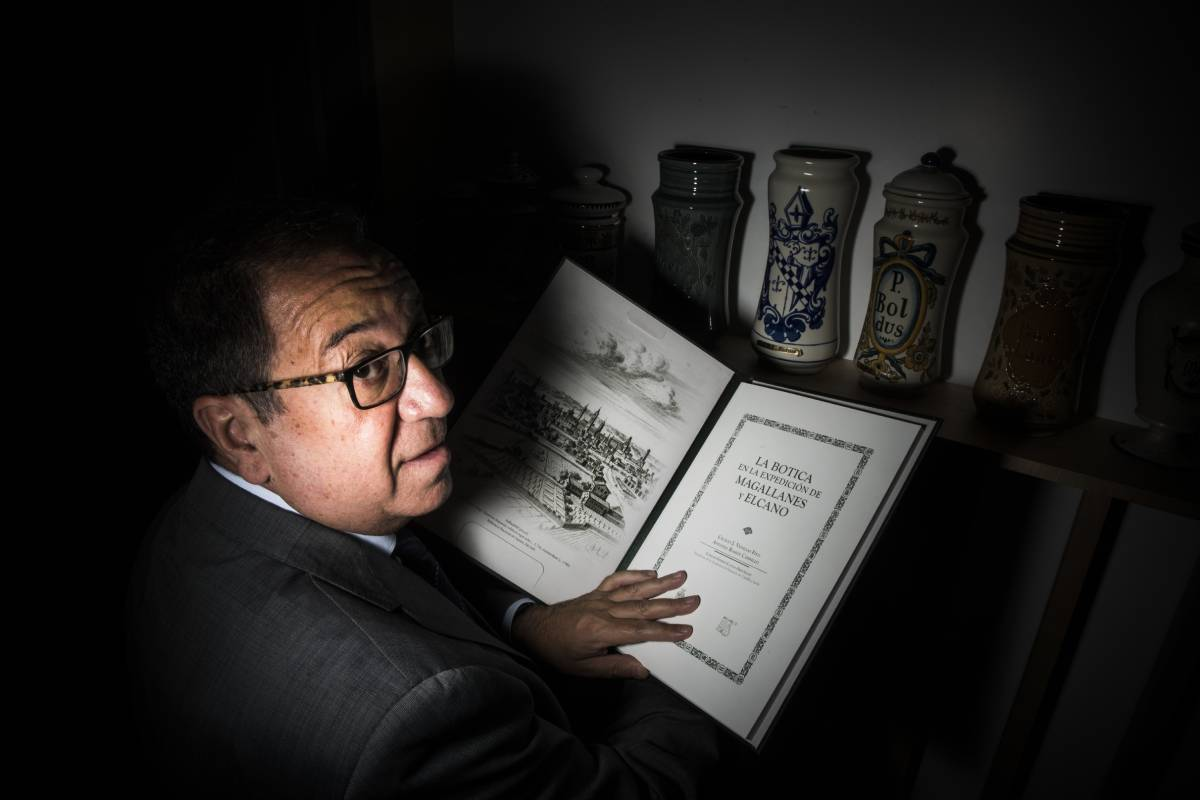 Cecilio Venegas, uno de los autores de 'La botica en la Expedición de Magallanes y Elcano'. Foto: Luis Camacho.