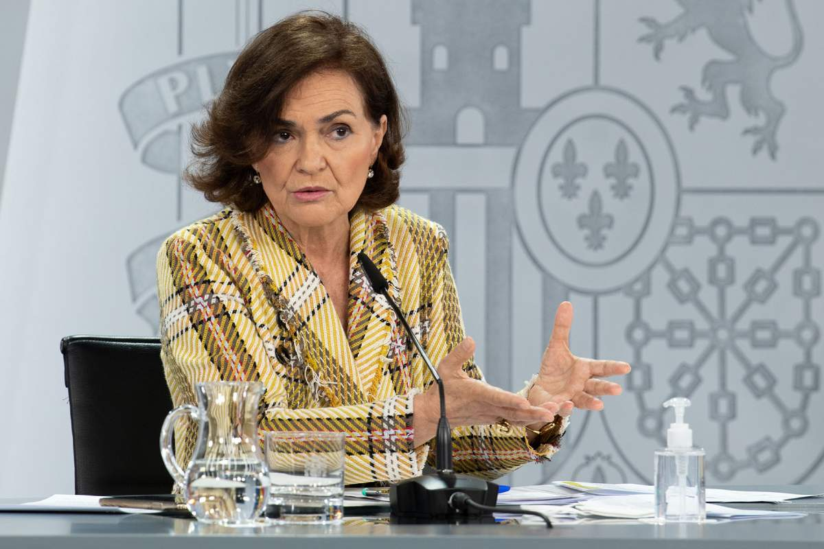 La vicepresidenta primera y ministra de la Presidencia, Relaciones con las Cortes y Memoria Democrática, Carmen Calvo, durante su intervención en la rueda de prensa posterior al Consejo de Ministros.