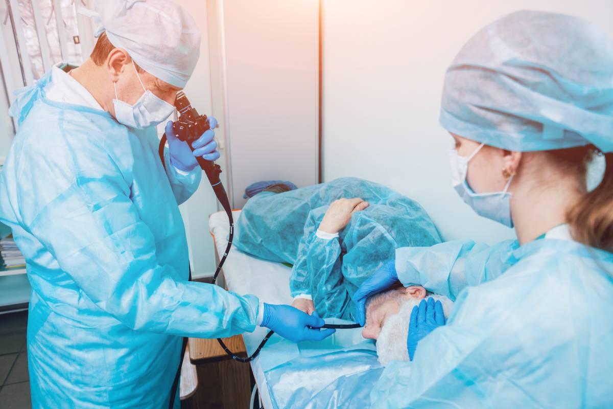 La especialidad de Aparato Digestivo abarca una vertiente médicamuy ampliada a la que hay que sumar un campo técnico, el de la endoscopia.