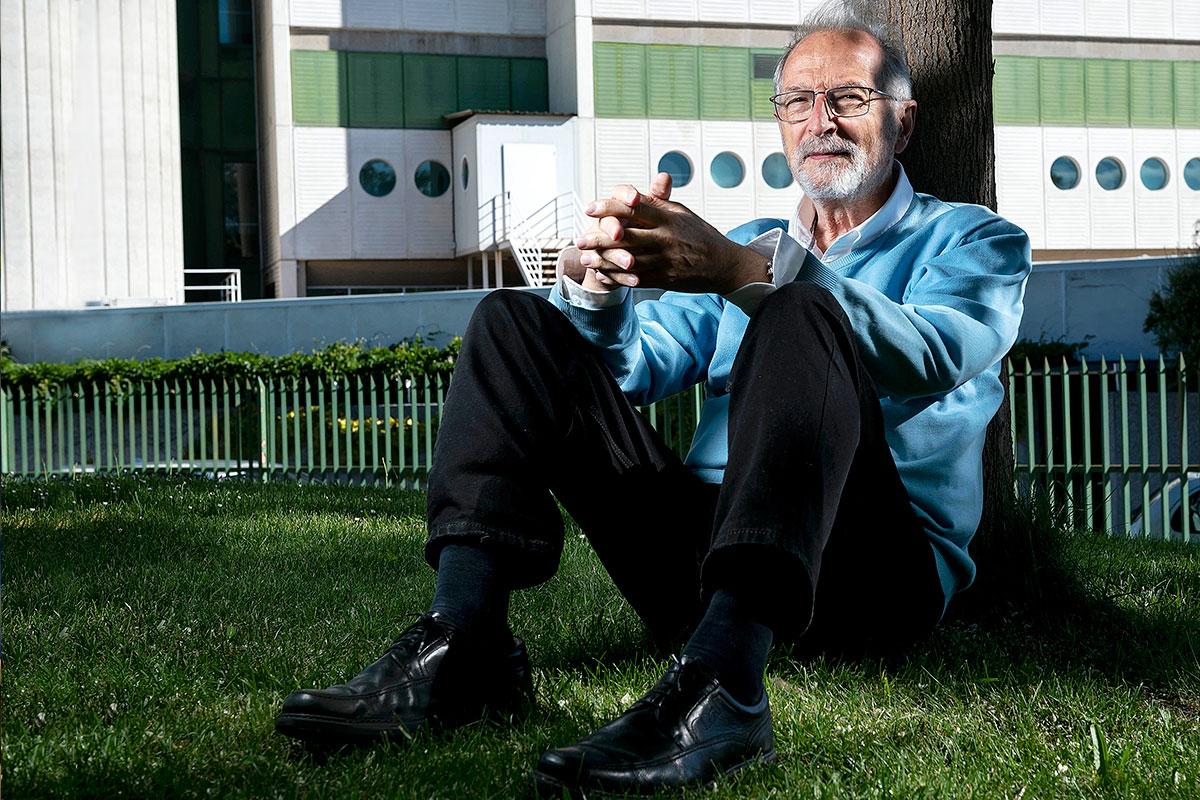 Luis Enjuanes, director del Laboratorio de Coronavirus del CNB, y 'padre' de una de las vacunas españolas contra el SARS-CoV-2. FOTO: José Luis Pindado.