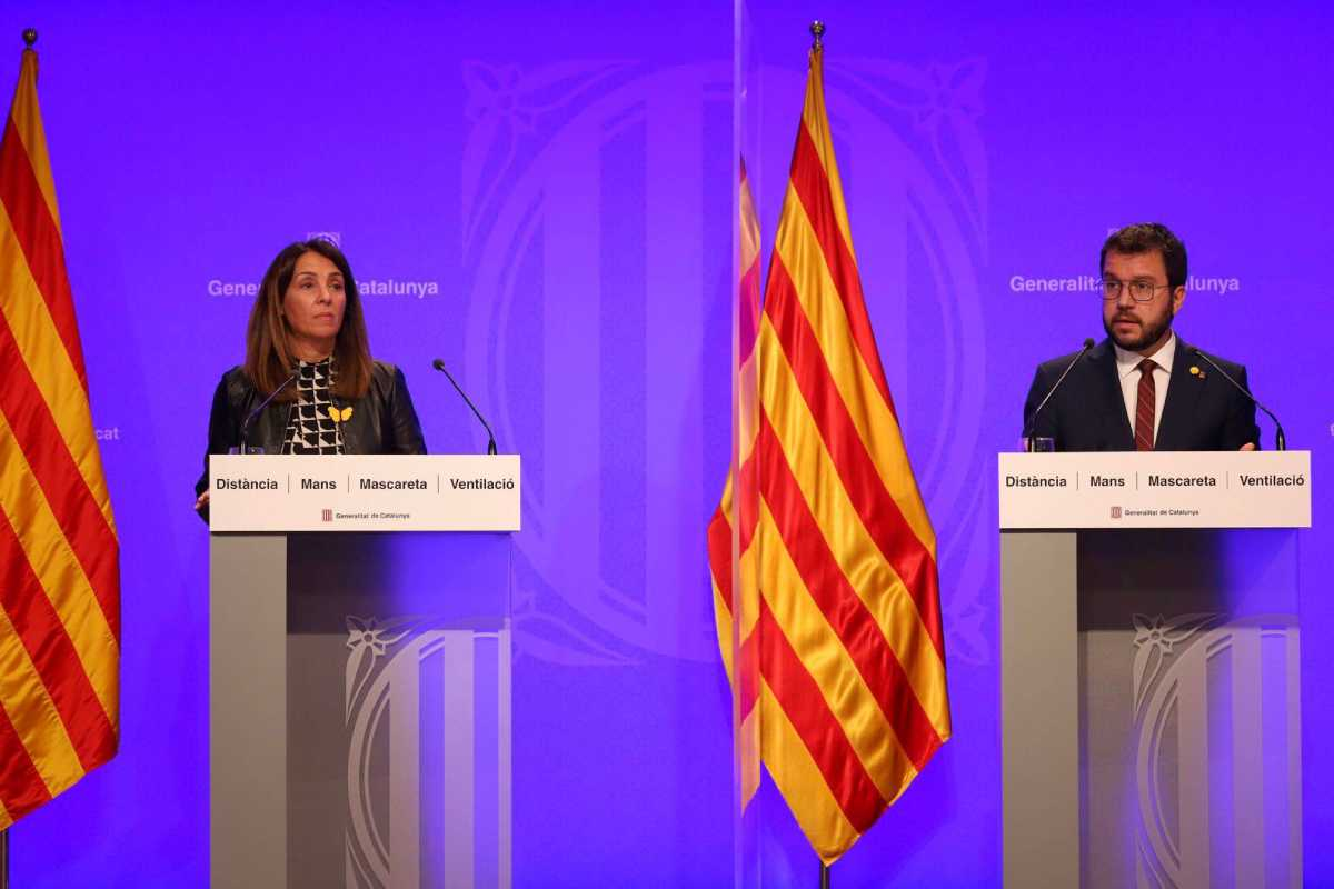 Meritxell Budó y Pere Aragonés, en la rueda de prensa de hoy.