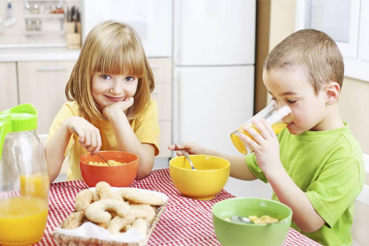 Los omega-3 juegan un papel fundamental en la formación y funcionalidad del cerebro y de la retina de los niños.