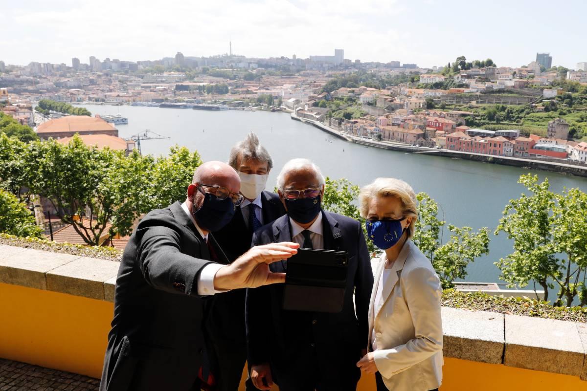 Ursula Von Der Leyen, presidenta de la Comisión Europea, con Charles Michel, presidente del Consejo Europeo; David Sassoli, presidente del Parlamento Europeo, y António Costa, primer ministro de Portugal. /CE.