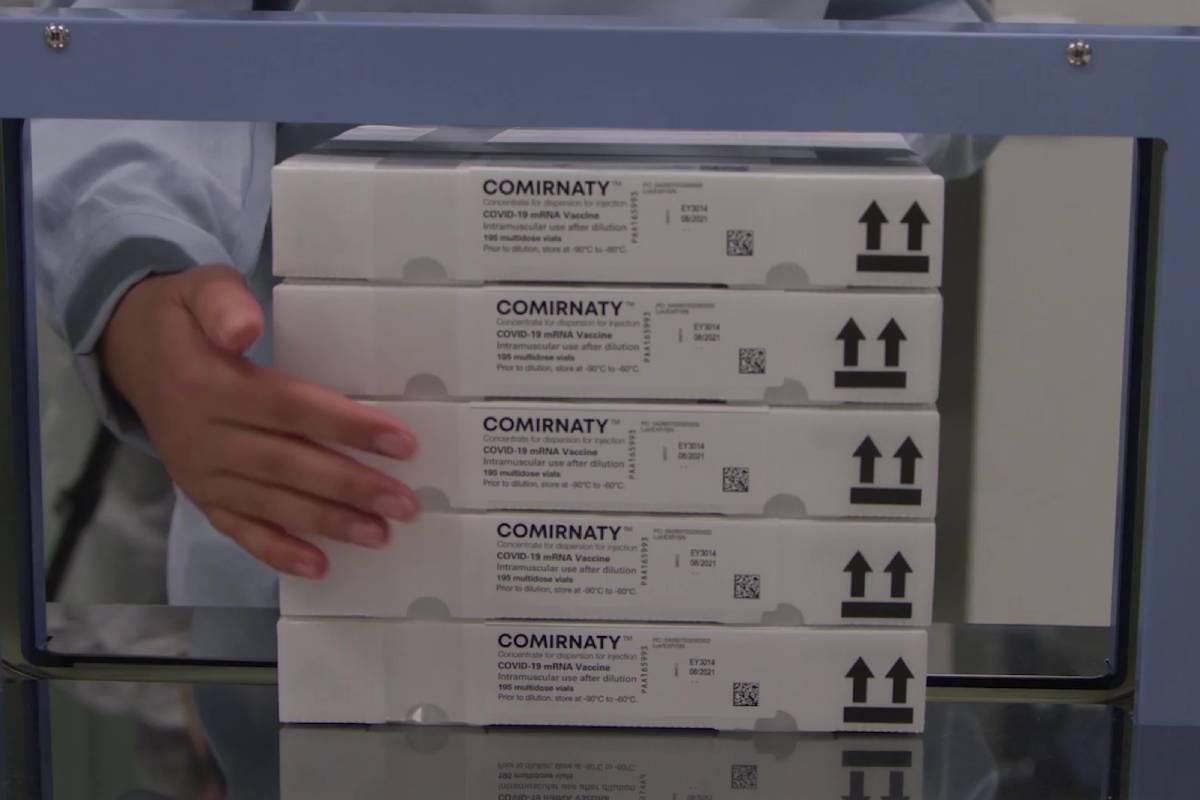 Cajas con la vacuna de Pfizer frente a la covid-19