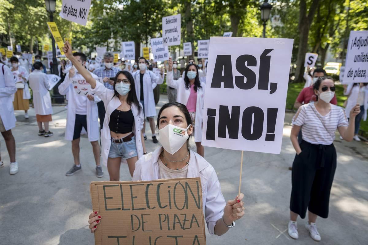 Una de las manifestantes en la protesta contra la elección telemática de 2020 (Foto: José Luis Pindado)