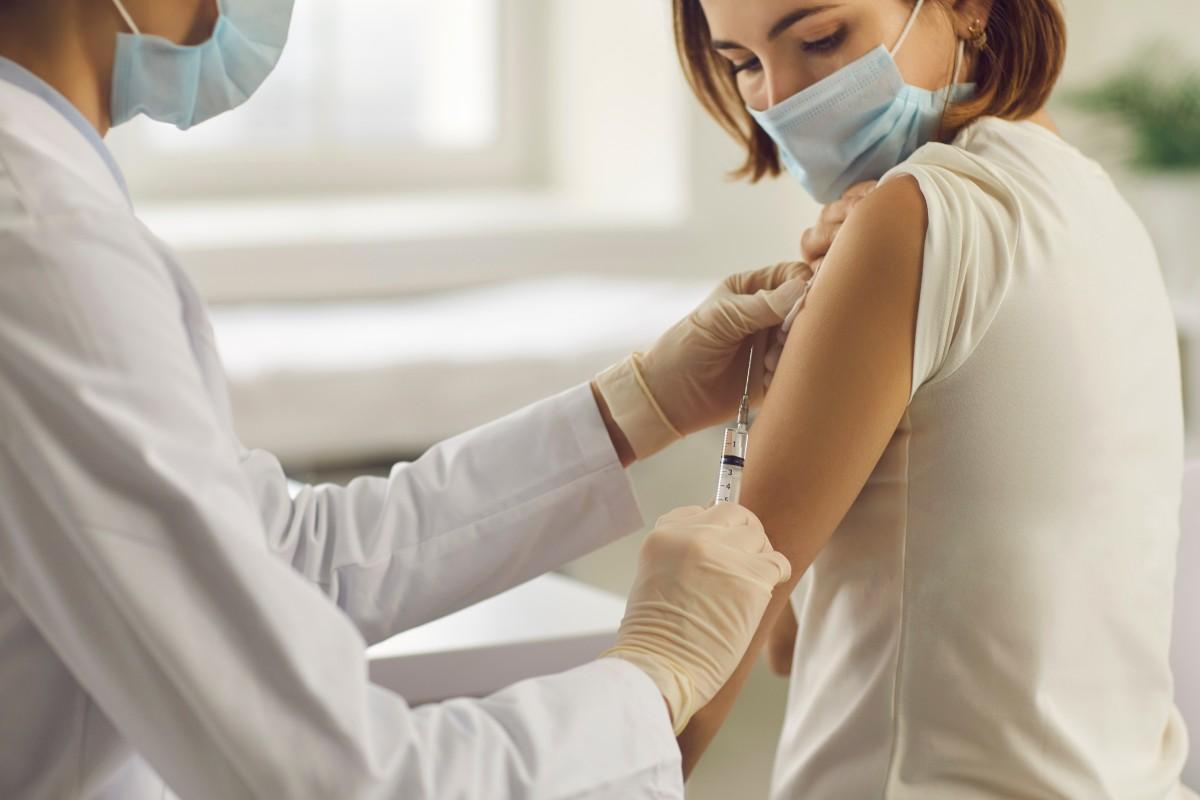 En la séptima 'puesta al día' la Estrategiade Vacunación se incluye ya el grupo 10, de 40 a 49 años.