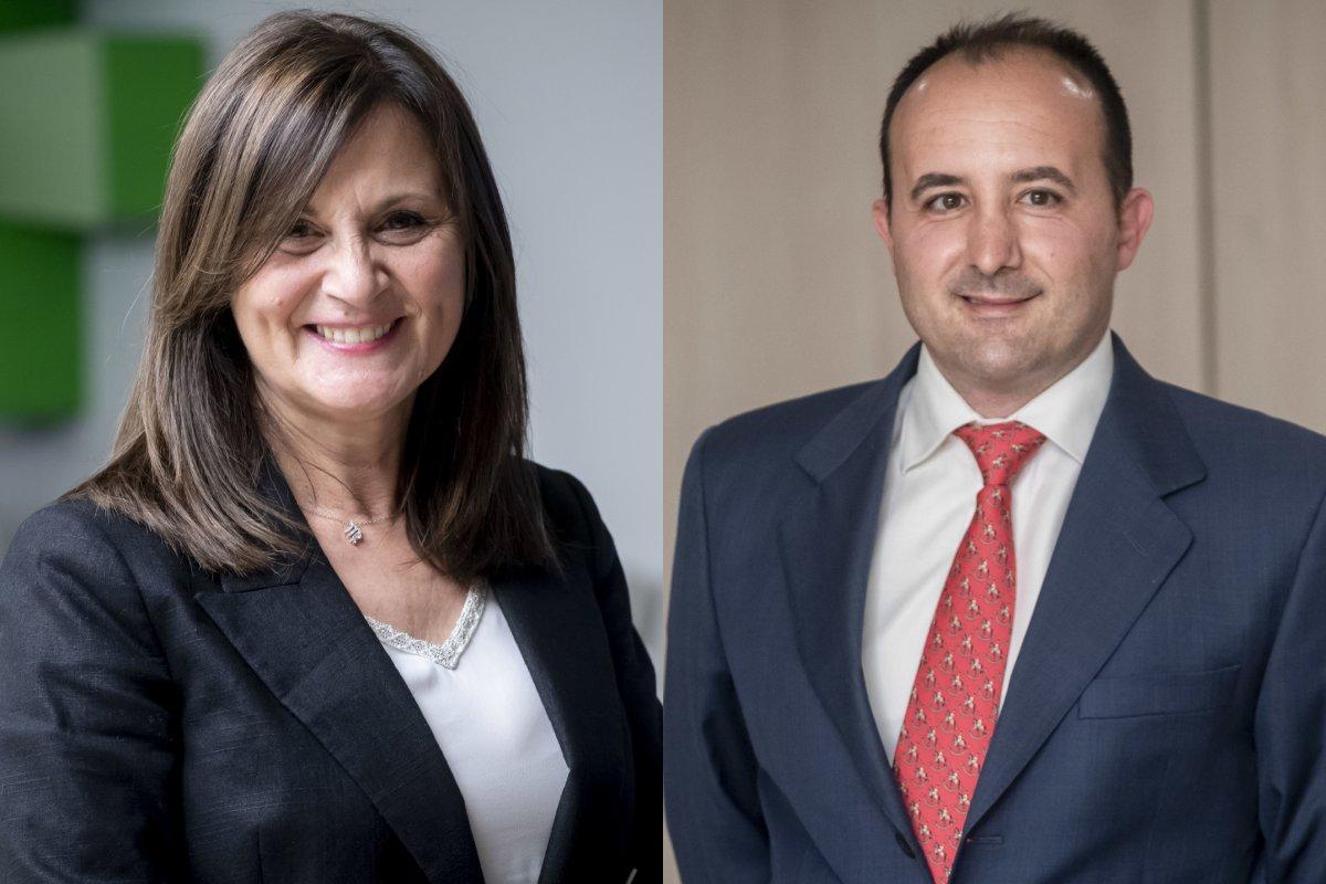 Pilar Marí Claramonte,nueva vocal de farmacéuticos analistas clínicos, y Juan Enrique Garrido Olmedo, nuevo vocal nacional de farmacéuticos de oficina de farmacia. /JL. Pindado