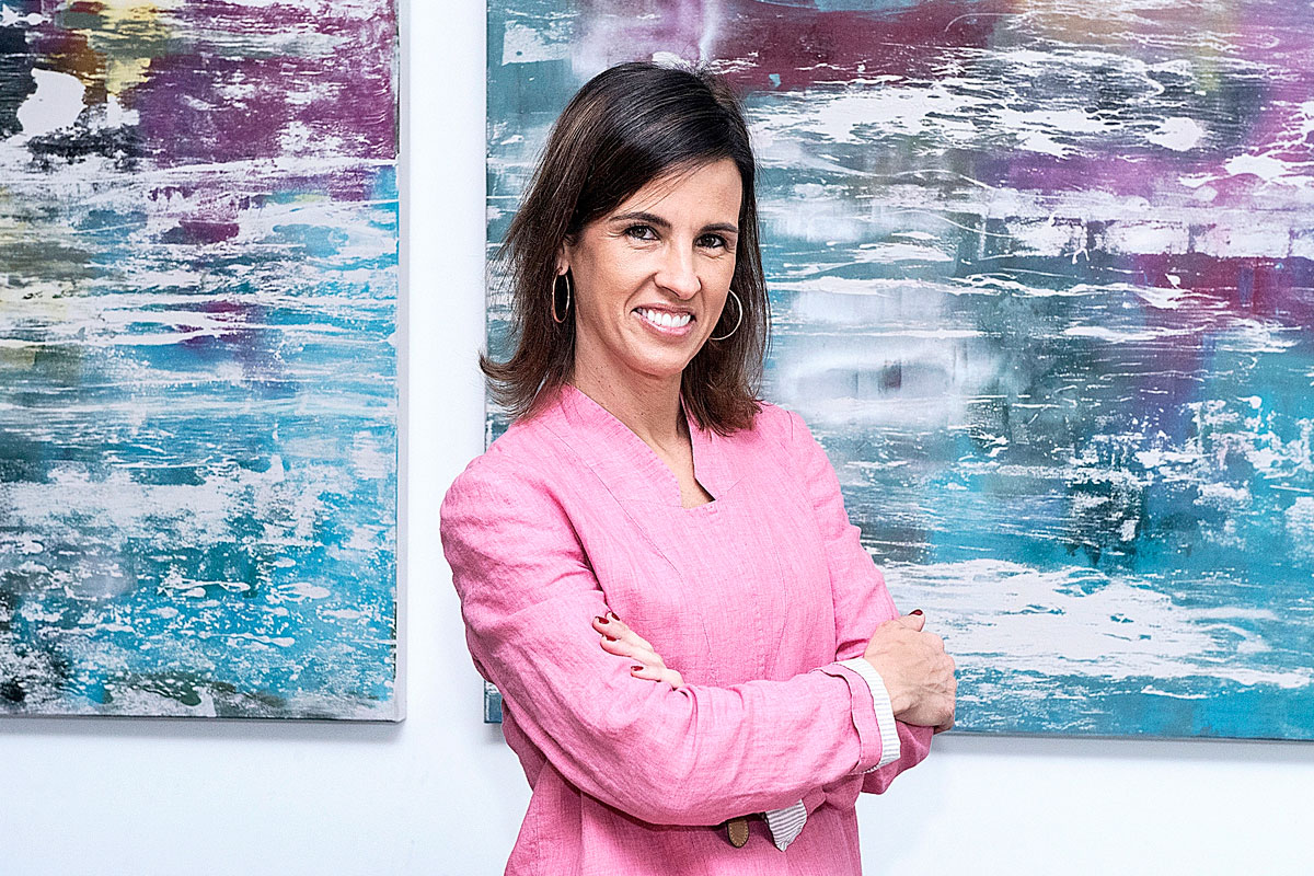 Elena Casaus lleva cerca de dos meses al frente de la Estrategia Regional de Terapias Avanzadas de la Consejería de Sanidad de Madrid. FOTO: Luis Camacho.