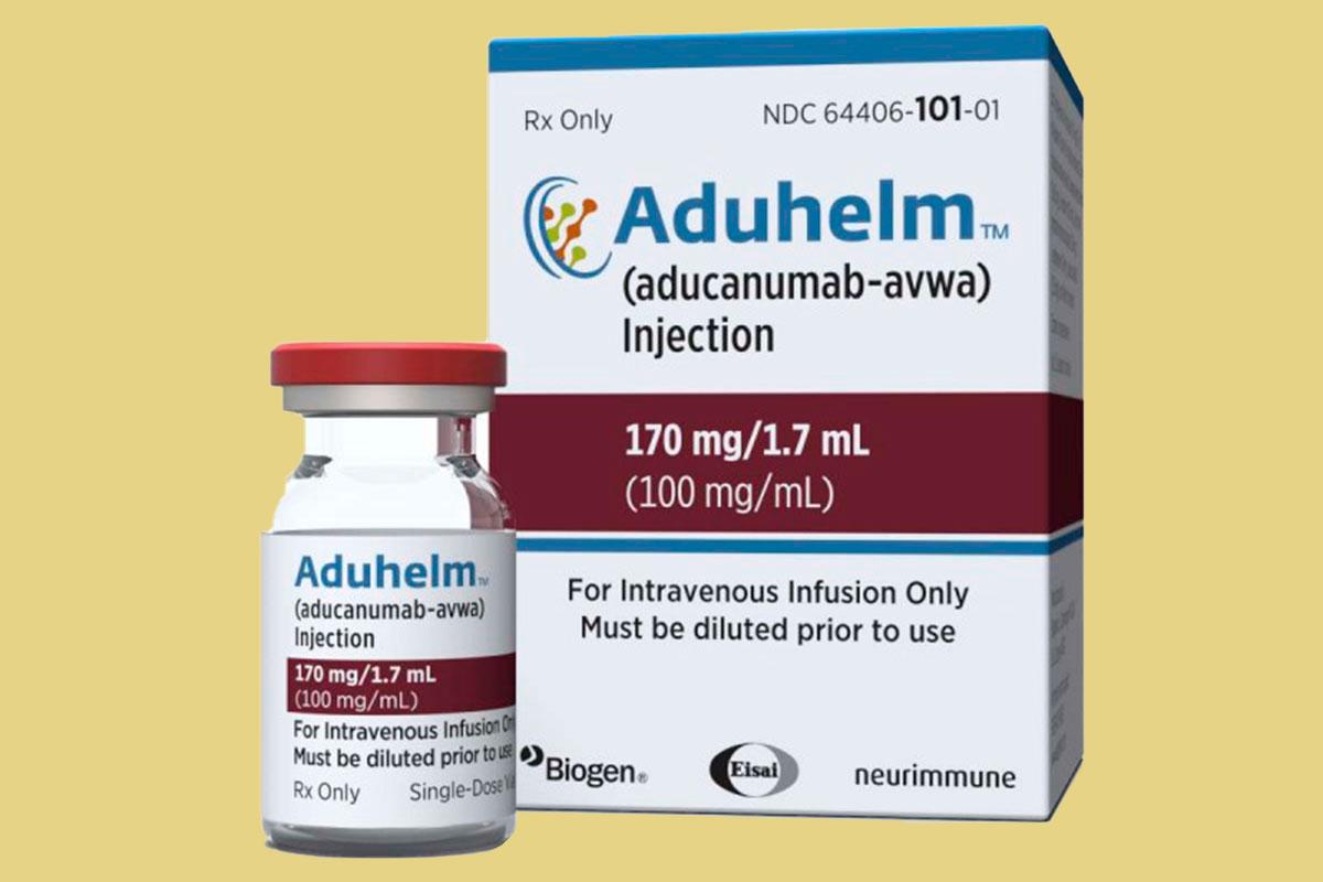 Envase de aducanumab (Aduhelm).