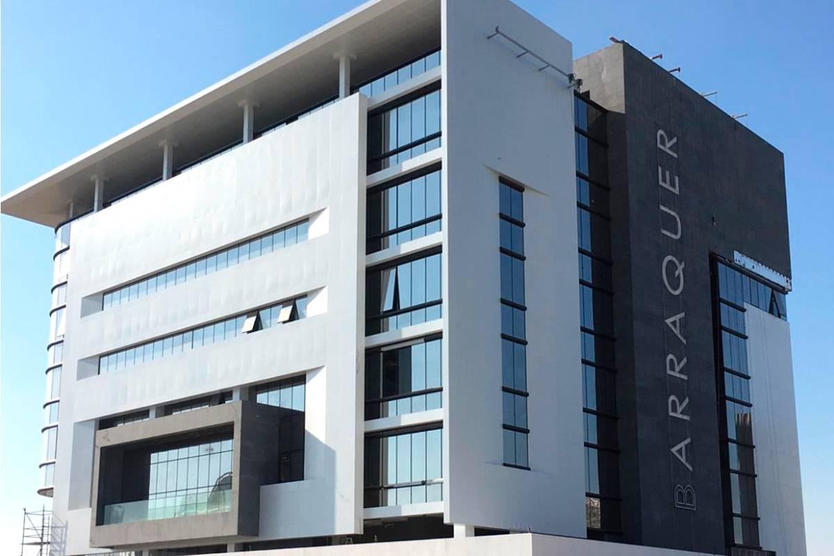 El Barraquer Eye Hospital, que abrirá sus puertas en septiembre, se erige en la zona Dubai Healthcare City 2 de Dubái