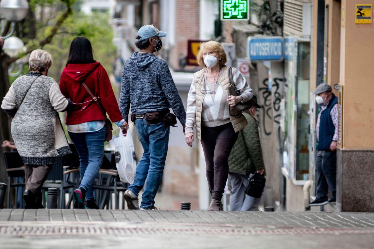 Los datos de nuevos contagios y fallecimientos por coronavirus siguen descendiendo en España.