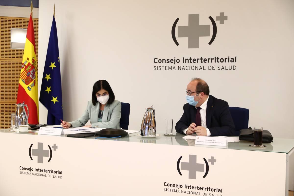 Carolina Darias comparte mesa en el último Interterritorial con Miquel Iceta, exministro de Política Territorial y firmante del acuerdo de temporalidad con los sindicatos de clase (FOTO: EFE).