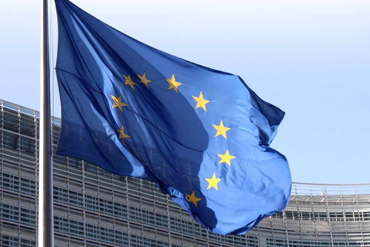 En noviembre del pasado año la Comisión Europea dio el pistoletazo de salida a una Estrategia que habrá de orientar  los objetivos en el ámbito farmacéutico comunitario durante los próximos años.