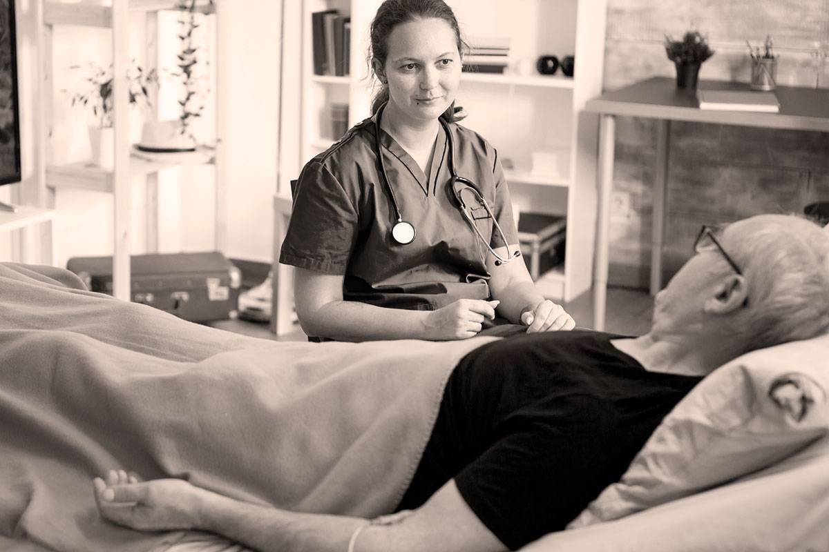 La ley de eutanasia contempla un doble rol para el médico: médico responsable y médico consultor