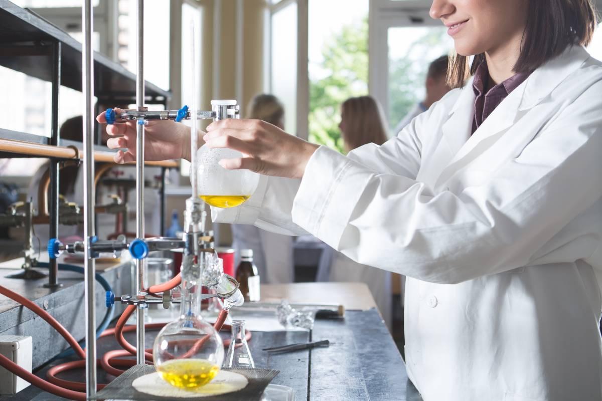 Tanto los decanos de Farmacia como el Consejo General de COF, en sus alegaciones al RD, pidieron a Universidades que Farmacia fuese un ámbito de conocimiento con entidad propia.
