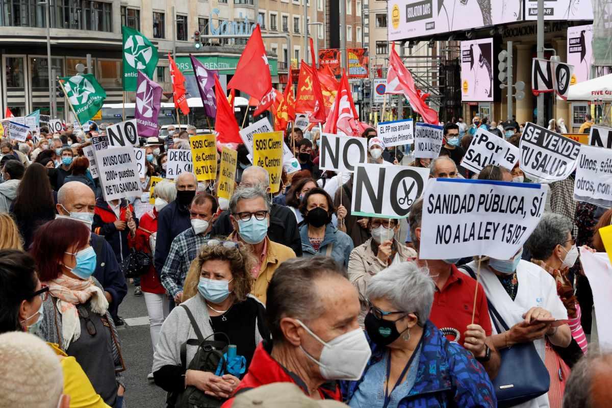 Manifestación en Madrid defensa de la atención primaria y la sanidad pública (EFE/Zipi)