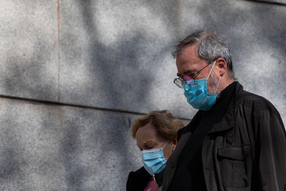 Sanidad notifica 40 muertes por coronavirus, 9.536 contagios y una ligera bajada de la incidencia (115,3).