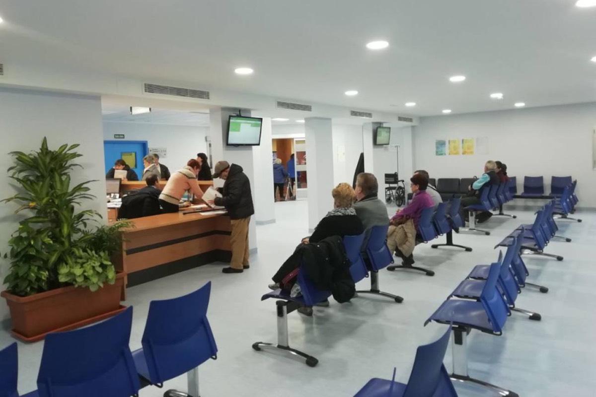 El SMN alerta de que el déficit de médicos de Familia y pediatras en Navarra genera dificultades asistenciales en la comunidad.