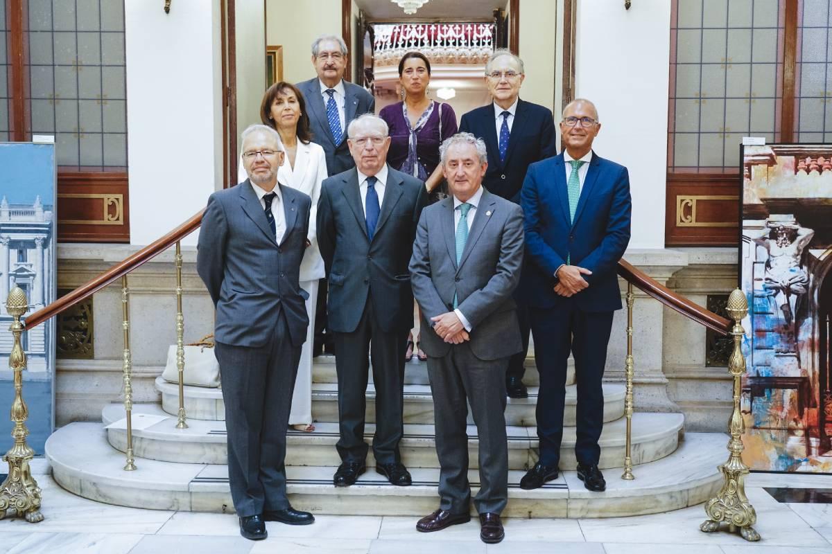 Los representantes de la RANM, Icomem, OMC, Facme y Conferencia Nacional de Decanos de Medicina tras la firma del 'Acuerdo de Atocha' a favor de la creación de un museo nacional de la Medicina (Foto: OMC)