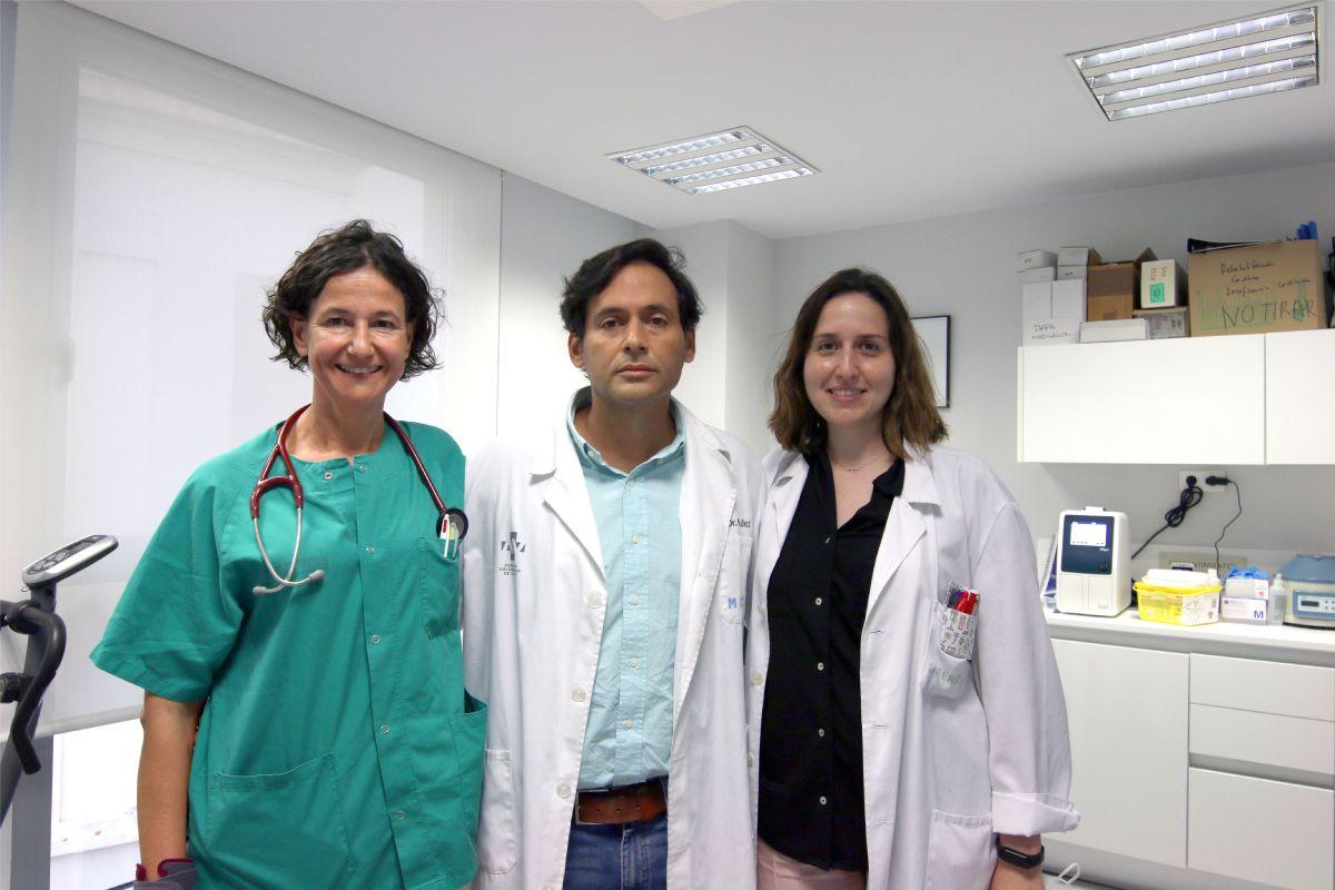 Patricia Palau, Julio Núñez y Clara Sastre, del  Instituto de Investigación Sanitaria del Hospital Clínico Universitario de Valencia INCLIVA). FOTO: INCLIVA.