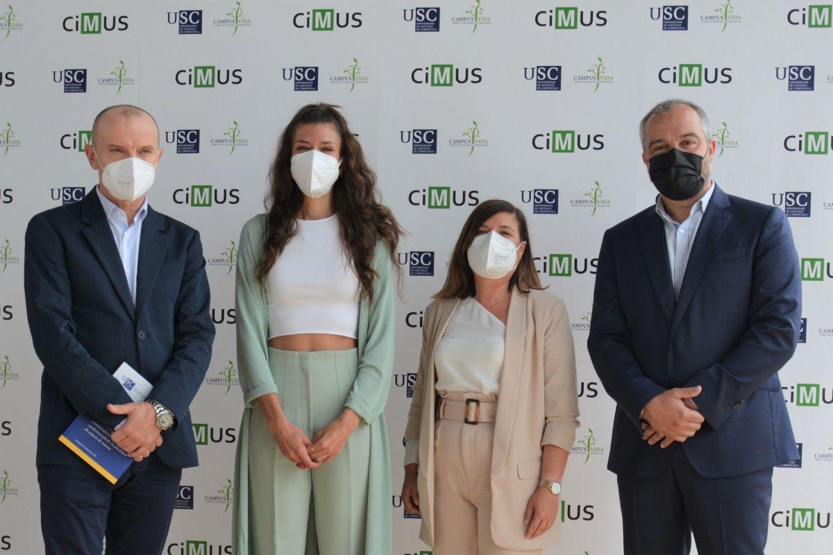 José Ramón González Juanatey, María Cebro, Isabel Moscoso y Ricardo Lage, del Cimus, en la presentación de los datos del estudio. FOTO: CIMUS.