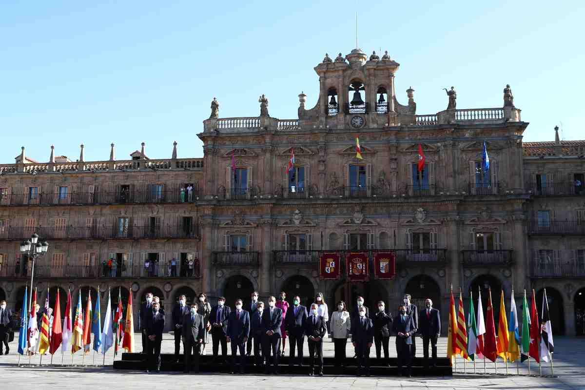 Foto de familia de los presidentes autonómicos en la Conferencia de Presidentes celebrada en Salamanca