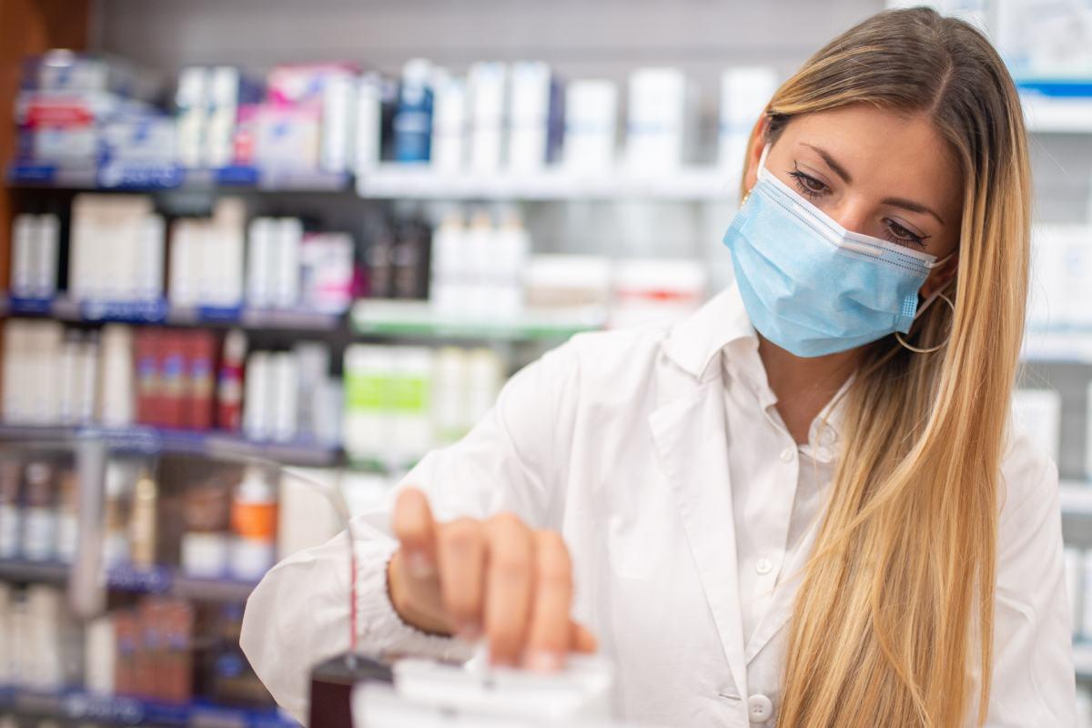 Las farmacias también piden a las autoridades sanitarias poder registrar y facilitar los certificados del resultado del test de antígenos.