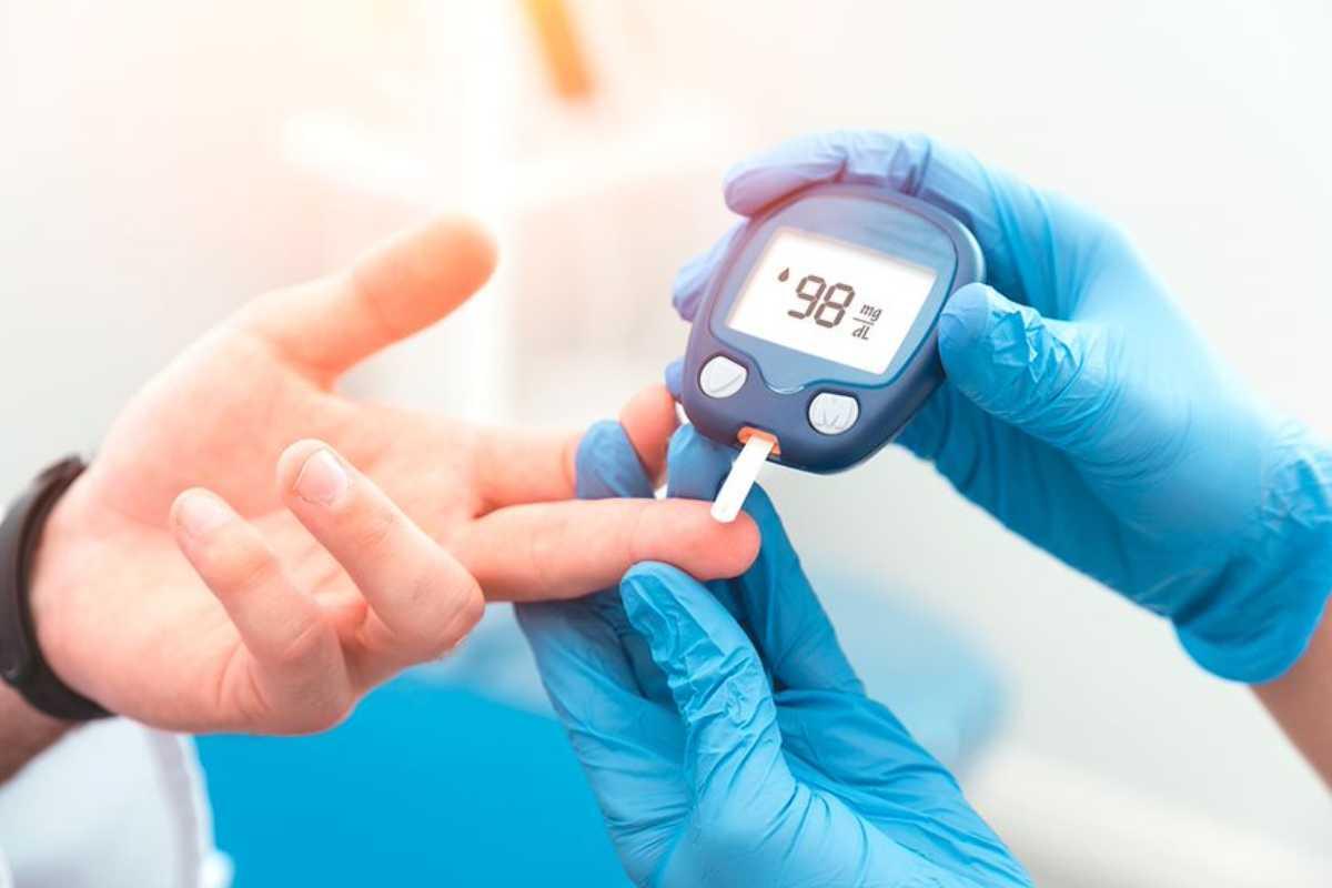 Los glucómetros son ampliamente usados en clínica.