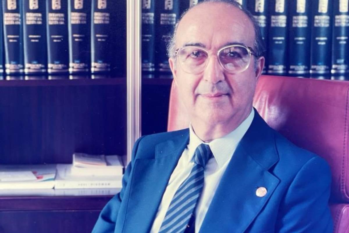 José Fornes Ruiz ha fallecido este miércoles, fue pediatra y presidente del Consejo General de Colegios de Médicos entre 1990 y 1997.