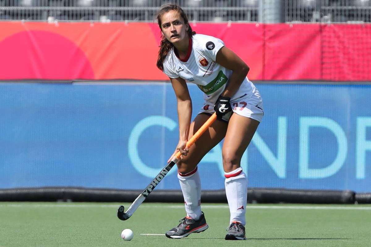 Lola Riera, jugadora de hockey hierba.