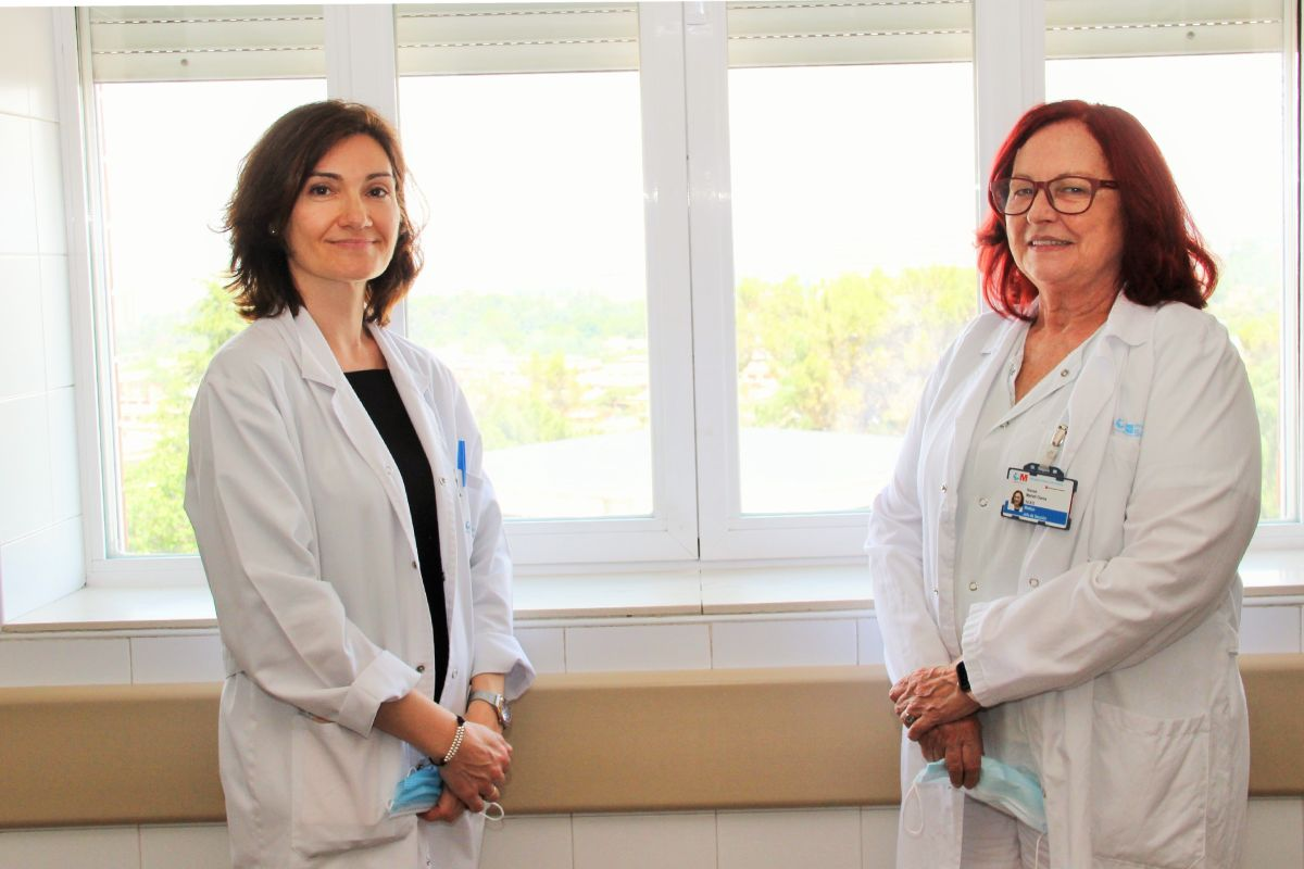 Noelia Pérez y Nieves Martell, encargadas de coordinar las unidades en las que se controla a las gestantes con hipertensión, del Hospital Clínico de Madrid. FOTO: HUSC.