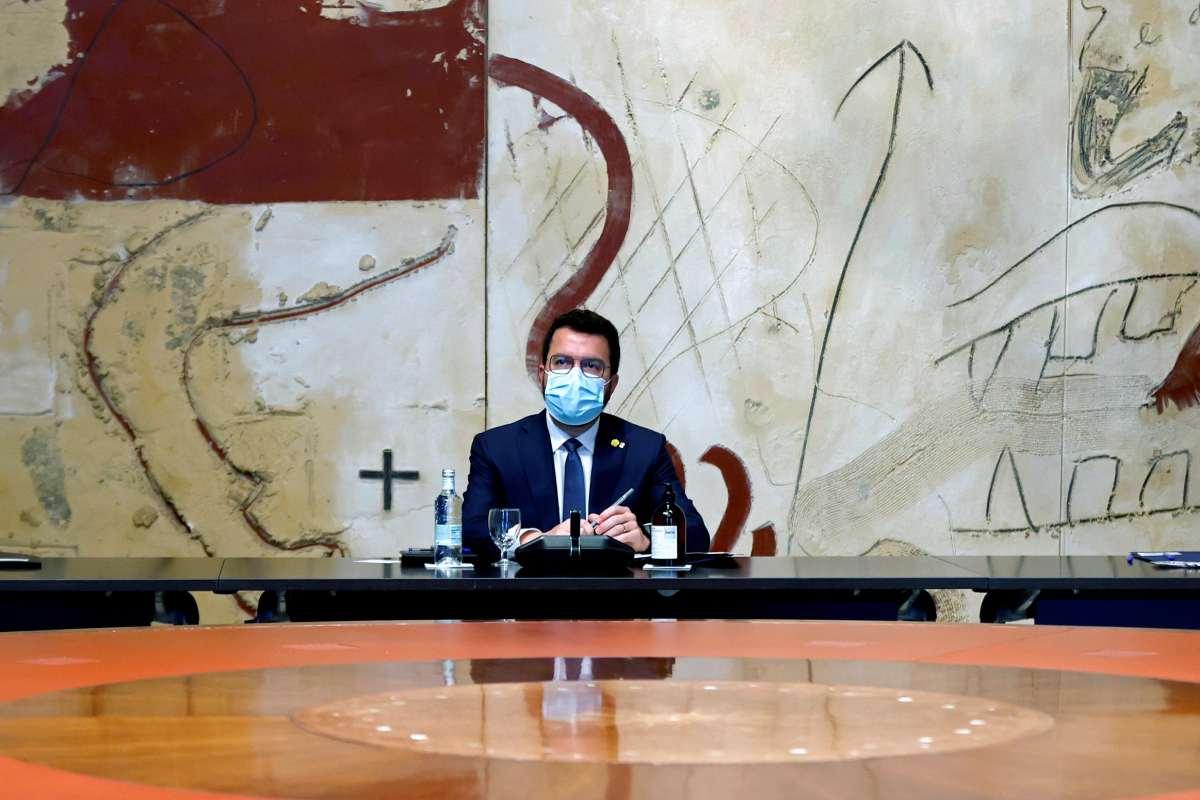 El presidente catalán, Pere Aragonès, participa esta tarde en la segunda reunión extraordinaria sobre covid-19 de esta semana.