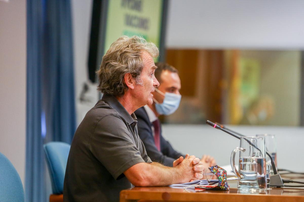 Fernando Simón, director del CCAES, ha comparecido hoy junto a Alfredo González, secretario general de Salud Digital, Información e Innovación del Ministerio de Sanidad, para dar cuenta de la evolución de la pandemia.