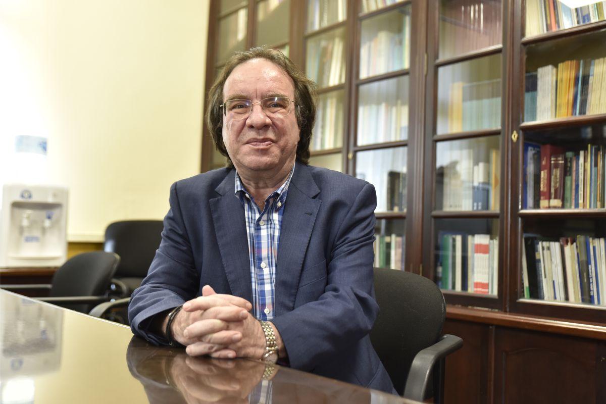 Amós García Rojas, presidente de las Asociación Española de Vacunología, reflexiona sobre pautas heterólogas para covid-19. FOTO: DM.