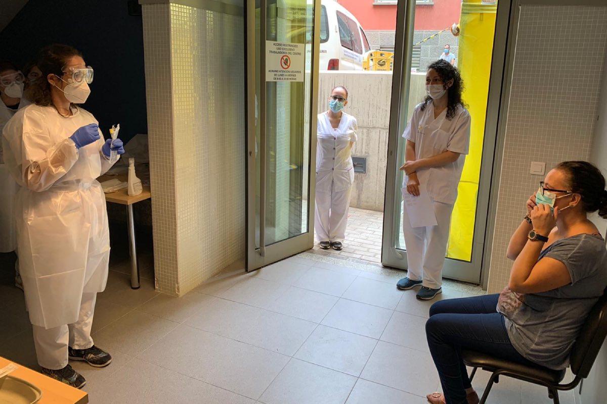 El elevado nivel de transmisión del virus detectado en Canarias el último mes obliga a la consejería a retomar los planes de contingencia en primaria (Foto: Gobierno de Canarias).