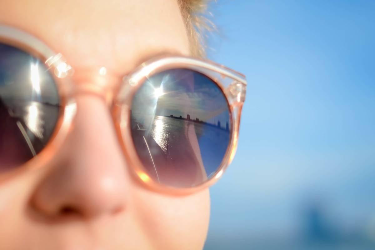 La radiación ultravioleta se ha relacionado con la aparición precoz de enfermedades como la catarata y la degeneración macular.