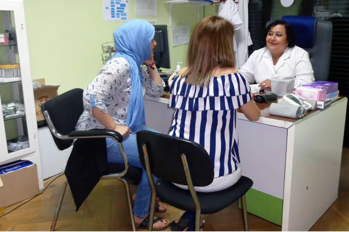 Las mujeres inmigrantes en situación administrativa irregular son más propensas a utilizar los servicios de salud que los hombres y sufren factores de género que les dificultan el acceso. Foto: Iratxe Pérez Urdiales. UPV/EHU.