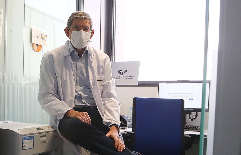 Luis Bujanda Fernández de Piérola, catedrático de Medicina de la UPV/EHU. Foto: UPV/EHU.