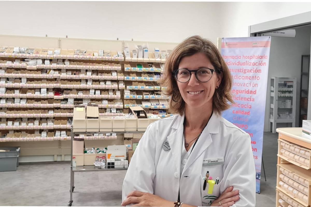 Mar�a Ángeles Castro Vida,directora de la Unidad de Gestión Cl�nica Interniveles Farmacia Poniente, en el Área de Unidosis de Farmacia.