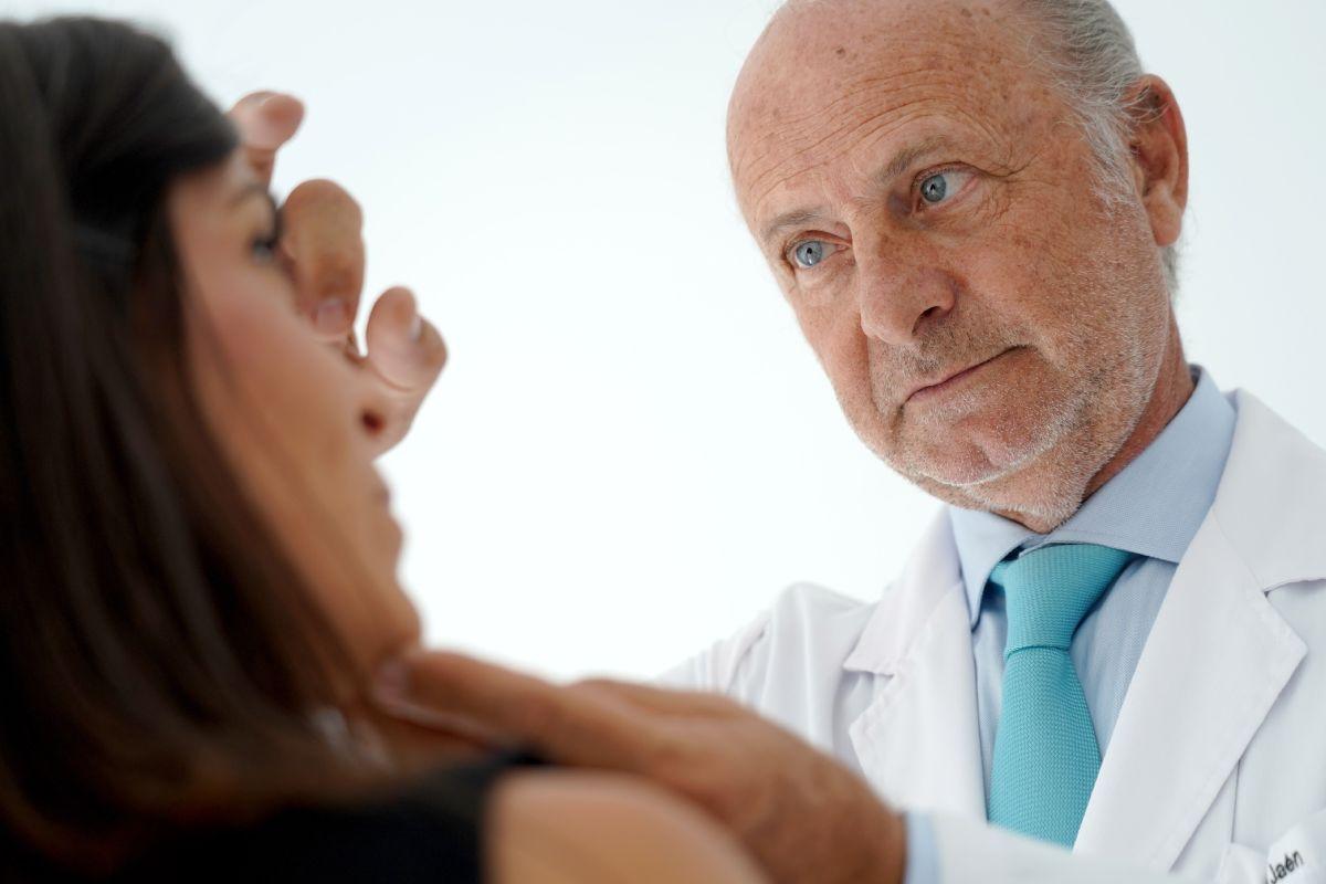 Pedro Jaén, presidente de la Asociación Española de Dermatología y Venereología (AEDV) y uno de los dermatólogos con mayor reconocimiento. FOTO: Grupo Jaén.