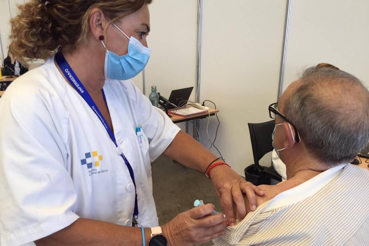 Canarias adelanta a 8 semanas la vacunación de personas de entre 64 y 12 años cumplidos que hayan pasado la covid.