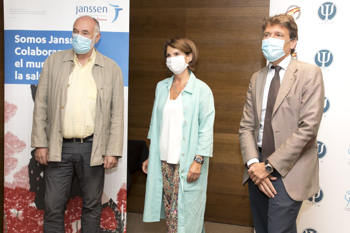 Víctor Pérez Solá, Ana González Pinto y Celso Arango, en la jornada de sensibilización de la enfermedad mental en Madrid. FOTO: DM.