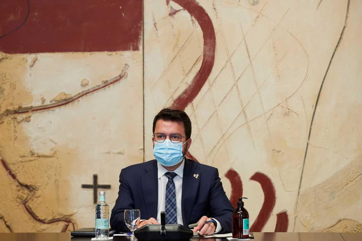 Pere Aragonés (ERC) preside la Generalitat de Cataluña pero sus socios de Junts son quienes gestionan la sanidad pública.