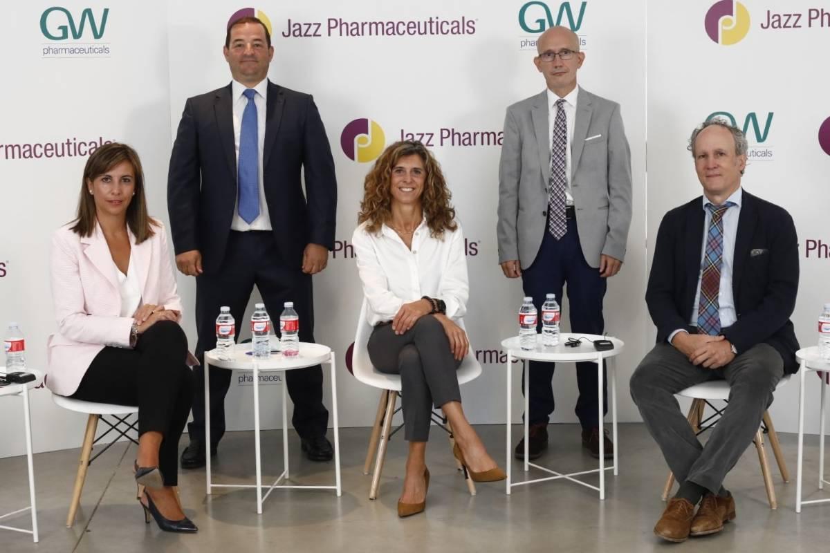 De Jazz, Cristina Bando, Ángel Ayuga e Inés Perea (directora general); y los neurólogos Vicente Villanueva (La Fe) y Gil-Nagel (Ruber Internacional).